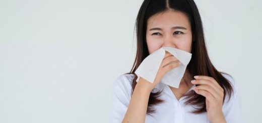 Bị ngứa tai, họng và sổ mũi là dấu hiệu bệnh gì?