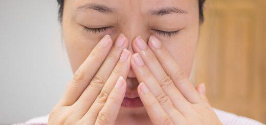 Bị mắt mờ, lưỡi sưng khó nói, khạc nhổ ra máu tươi là dấu hiệu bệnh gì?