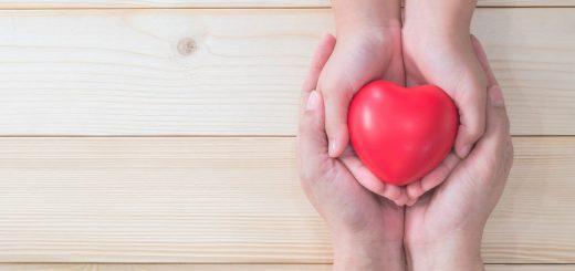 Bị bệnh tim bẩm sinh có di truyền sang cho con không?