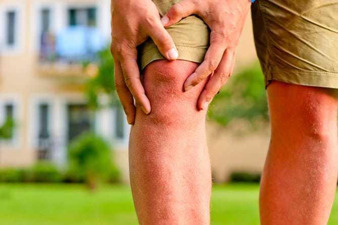 Bị đau đầu gối mỗi khi gập chân