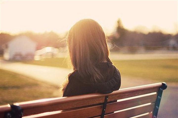Làm sao để thoát khỏi cảnh suy sụp, mất ngủ khi chia tay người yêu?