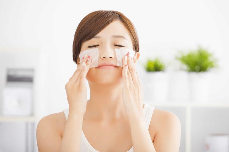 Cách giảm nhờn gây mụn trên mặt