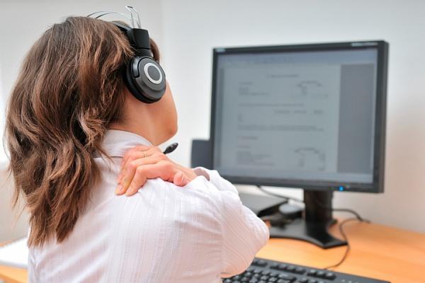 Bị đau cổ lan sang vai gáy có nguy hiểm không?