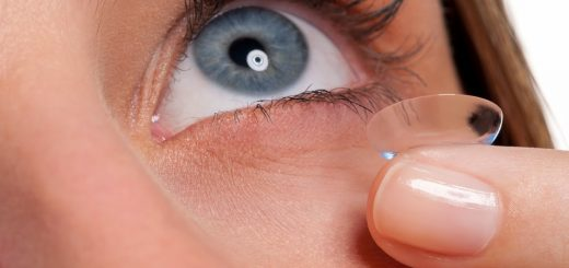 Đeo lens khiến mắt ngứa và đỏ