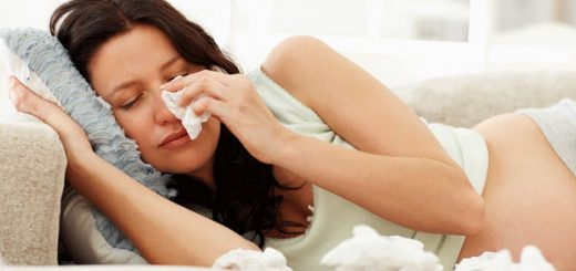 Bị ho liên tục, đau đầu, buồn nôn, khó thở có ảnh hưởng tới thai nhi