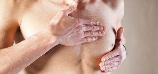 Ngực con trai to bất thường