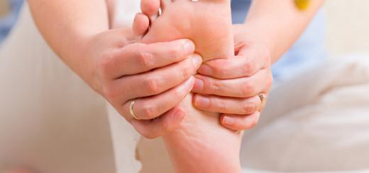 Điều trị triệu chứng nóng rát bắp tay, bắp chân, nóng rát cả bàn chân