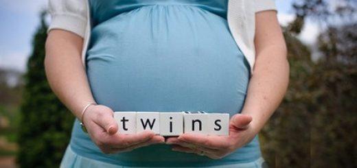Sinh đôi bằng thụ tinh trong ống nghiệm