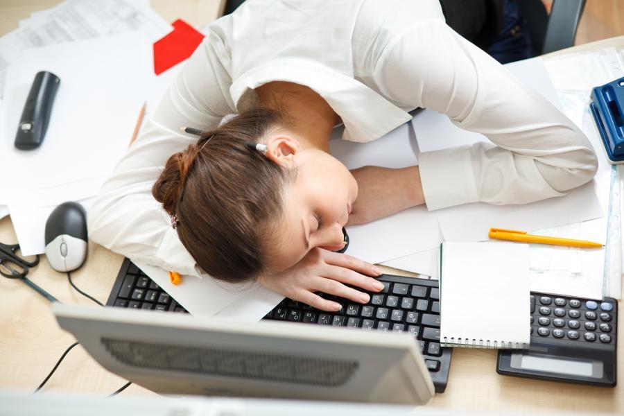 Điều trị cơ thể mệt mỏi, mất ngủ, lo âu, lạnh người vào buổi sáng sớm