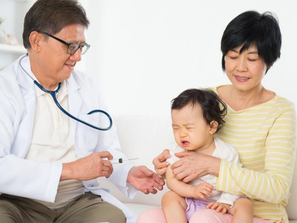 Bé 7 tháng tiêm ngừa cúm hết bao nhiêu tiền?