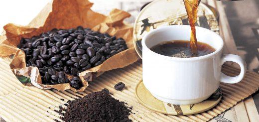 Uống cafe khiến tay chân ra nhiều mồ hôi, tim đập nhanh