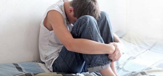 Tinh hoàn bị sưng và thốn ở bụng có nguy hiểm không?
