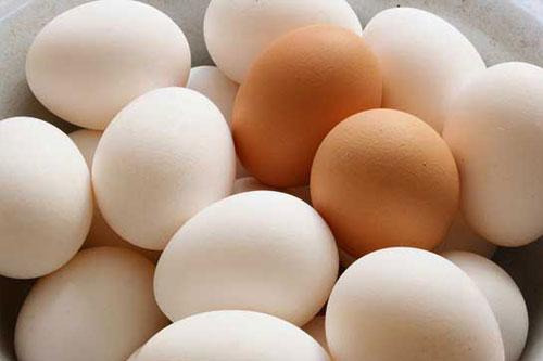 Mụn cám là gì, cách trị mụn cám bằng trứng gà