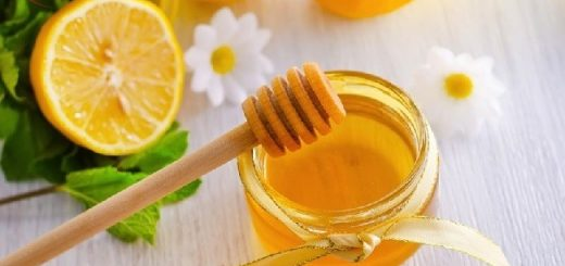 Top 3 cách trị mụn cho da nhờn bằng chanh, mật ong, đu đủ