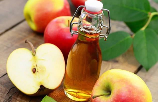 Trị mụn đầu đen tận gốc với giấm táo, chanh, đường