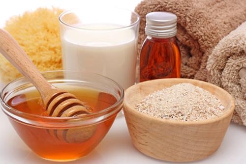 Cách trị nám ở lưng bằng sữa chua, đường, mật ong, cam