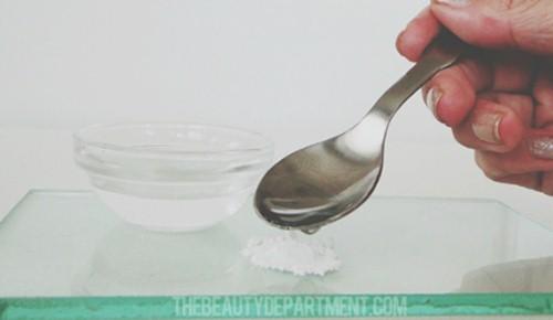 Sử dụng Aspirin để trị mụn thâm tận gốc