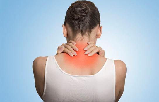 Hay bị đau mỏi vùng cổ và vai gáy có nguy hiểm?