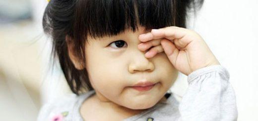 Bị dung dịch Milian rơi vào mắt có nên rửa ngay?