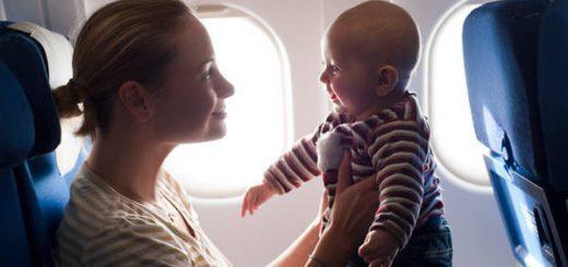Cần chú ý gì khi trẻ con đi máy bay?