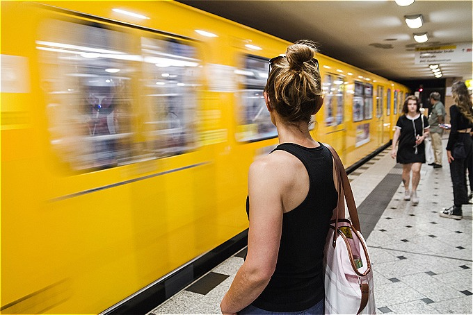 Cách đi tàu điện ngầm như dân bản địa