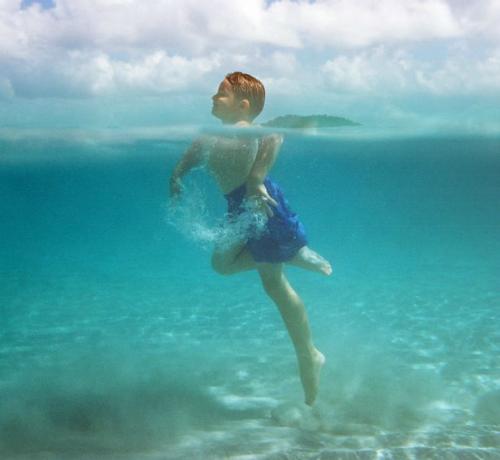 Chết đuối khi tắm biển?