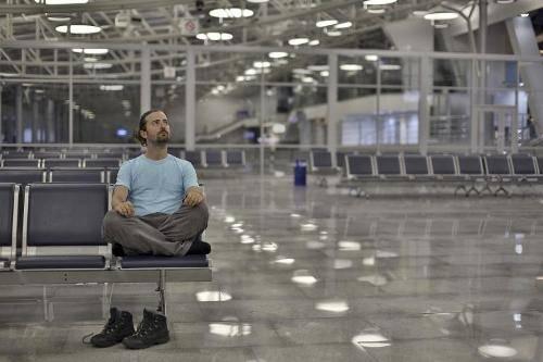 Ngủ ở sân bay có an toàn