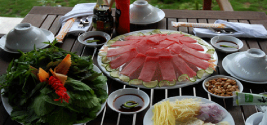 Đi du lịch biển cần tránh ăn gì?