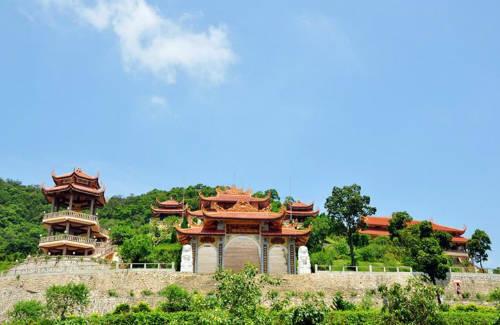 Du lịch Quảng Ninh nên đi chơi ở đâu?