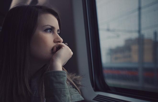 Mệt mỏi, chán nản, nhanh quên, thích một mình là bệnh gì?