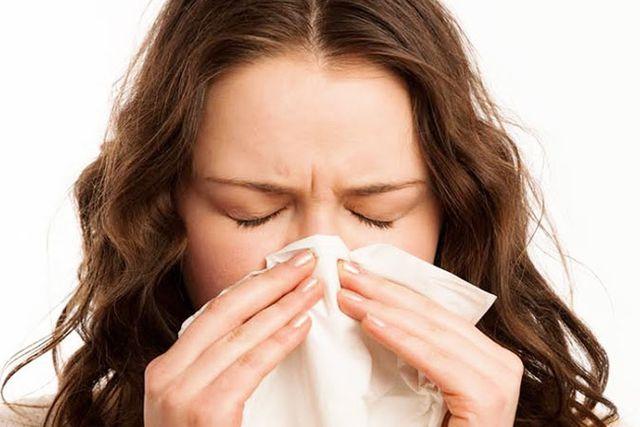 Hay bị nghẹt mũi và cách điều trị