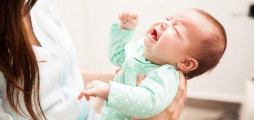 Tại sao trẻ hay bị nôn trớ và cách khắc phục?