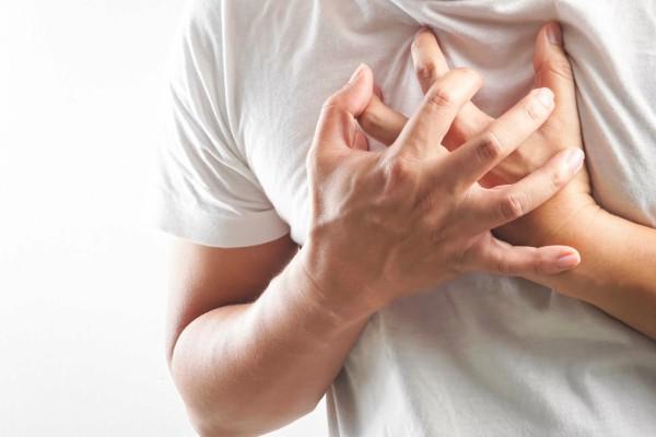 Khi nằm thì tim đập nhanh, mạnh hay ợ hơi, thỉnh thoảng ợ nóng