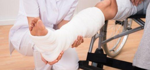 Gãy xương mác, bó bột vẫn đau có bình thường?