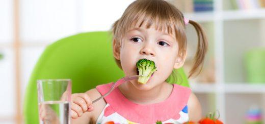 Cách giúp bé thích ăn rau và ăn nhiều rau hơn