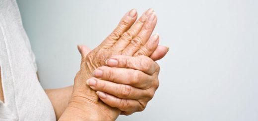 Tình trạng tê tay ở người cao tuổi