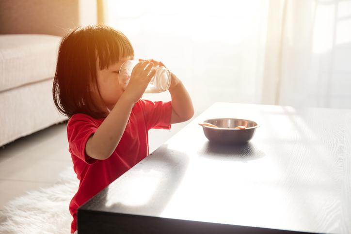 Bổ sung canxi đúng cách cho trẻ?