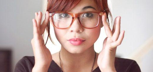 Đeo kính cận thường xuyên có bị lên độ?