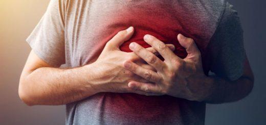 Đau ngực khi hít thở mạnh có nguy hiểm?