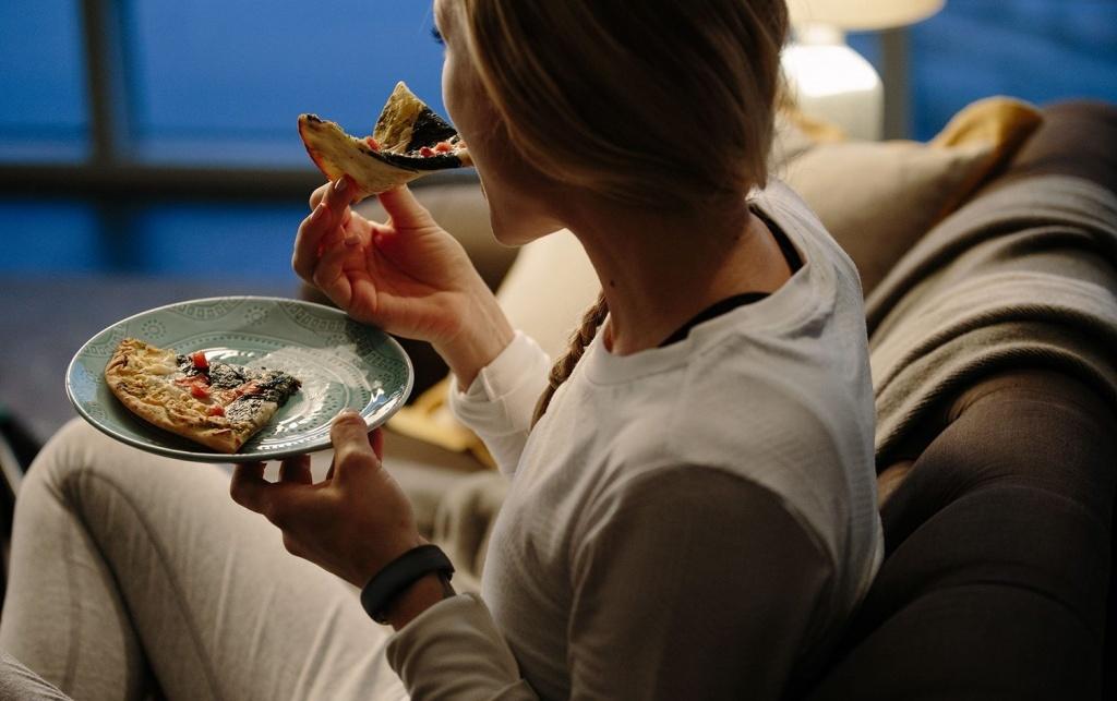 Ăn khuya hại sức khỏe như thế nào?