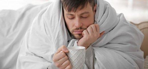 Đau ngực, ớn lạnh về đêm có nguy hiểm?