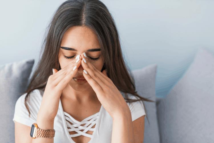 Choáng váng và buồn nôn là bệnh gì?