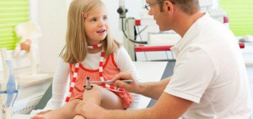 Bị viêm khớp thiếu niên có điều trị được không?