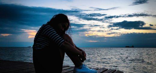 Thường xuyên bực bội, khó ngủ là bệnh gì?