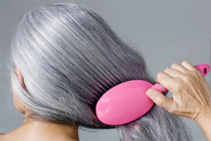 Điều trị tóc nhanh bạc như thế nào?