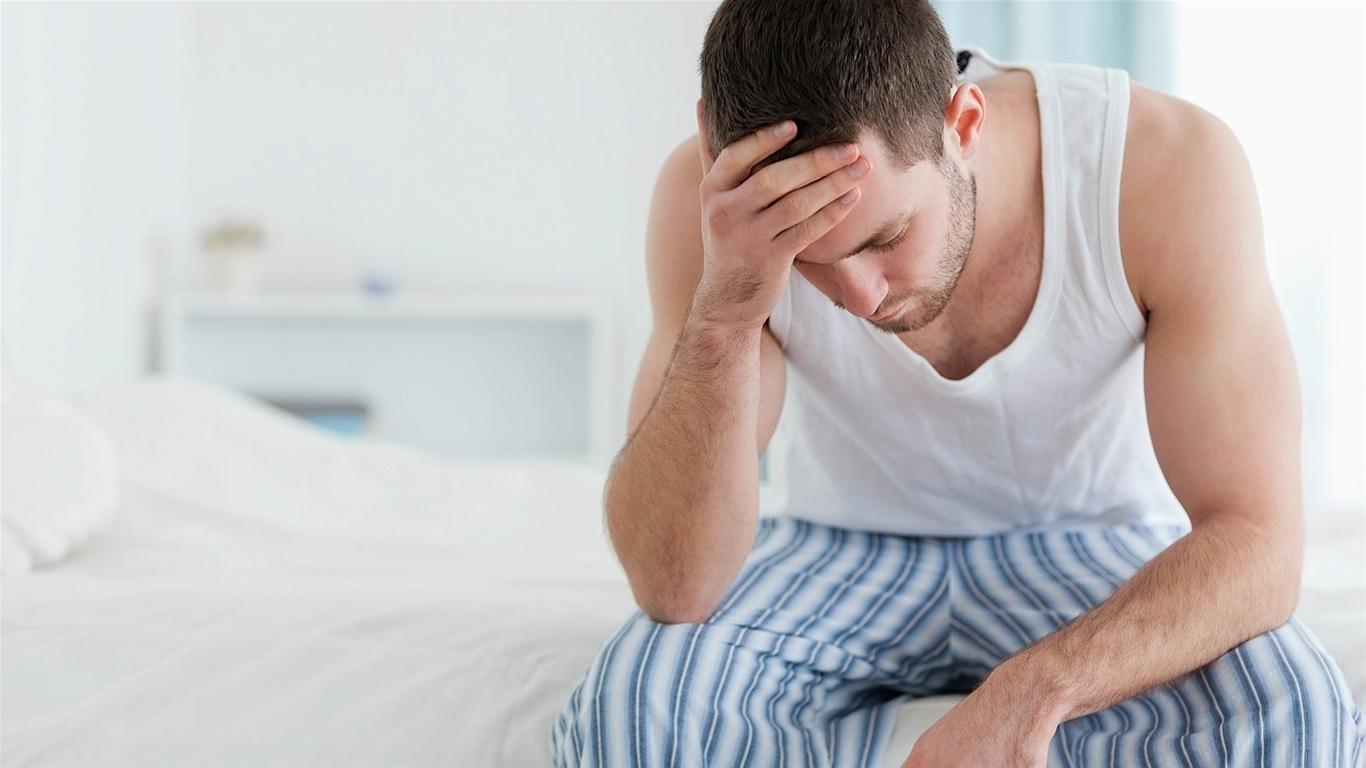 Hậu môn chảy dịch có mùi hôi là bệnh gì?