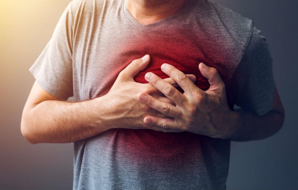 Bị đau vùng ngực bên trái có nguy hiểm?