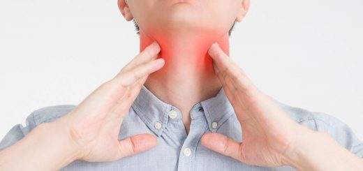 Lưỡi và cổ họng xuất hiện nhiều hạt nhỏ có nguy hiểm?