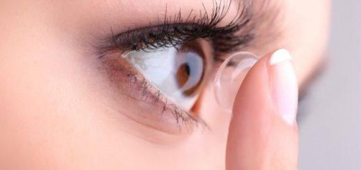 Đỏ mắt khi tháo kính áp tròng có nguy hiểm?