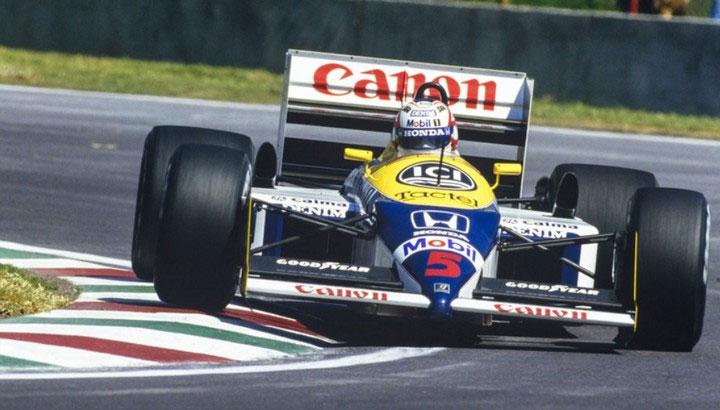 Tại sao vận động viên đua xe F1 phải nằm?